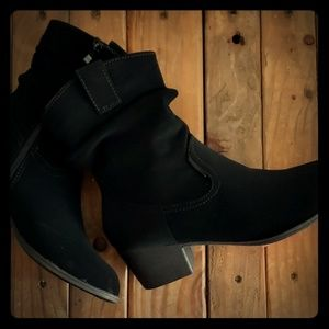 Black Cowgirl Ruched heeled Boots